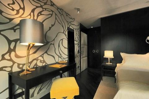 کاغذ دیواری هتل